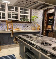 A cozinha é a alma da casa Casa Cor 2021 @casacor #casacorrj Travel Videos, Travel Images, Kitchen, Time Travel, Cooking, Kitchens, Cuisine, Cucina