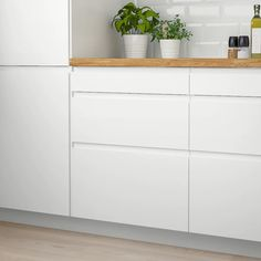 Ikea Kitchen Cabinets, Kitchen Cabinet Drawers, Kitchen Doors, Kitchen Handles, Drawer Handles, Drawer Fronts, Kitchen Shelves, Voxtorp Ikea, Ikea Faktum