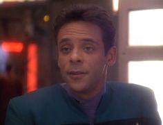 Alexander Siddig as Dr. Julian Bashir in Star Trek Deep Space Nine ❤