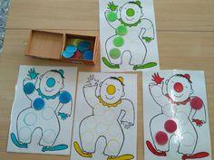 Christmas Classroom Door, Montessori Baby, Mardi Gras, Art For Kids, Kids Rugs, School, Diy, Diy Crafts, Colors