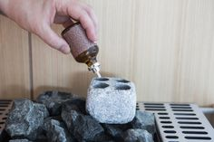 Sauna stone for aroma evaporation: Add an aromatic touch to your relaxing experience.