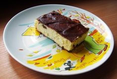 http://chief-cooker.tumblr.com Ingredients: For cheesecake: 500g. cottage cheese (the fatter the better) 150gr. sugar 4 eggs 100gr. butter 1-2st.l. semolina 1 lemon (zest of) 50-100gr. raisins For the...