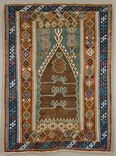 OBRUK (near Bor, in the Niğde province) prayer kilim, mid-19th century. Wool on cotton, slit tapestry. 126 x 168 cm.