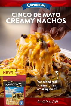 These Cinco de Mayo Nachos are a delicious way to celebrate the 5th of May holiday. You will fall in love with the amazing melt of Sargento®Creamery 3 Cheese Mexican. Ww Recipes, Recipies, Cooking Recipes, Veggie Snacks, Healthy Snacks, Mexican Dishes, Mexican Food Recipes, Yummy Appetizers, Appetizer Recipes