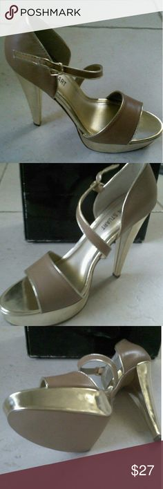 """Donna Disco Heels from Colin Stuart Brand new, still in box gorgeous 5"""" heels with a 1"""" platform in gold color. Sandal it's an almost nude tan. Buckle closure. Colin Stuart Shoes Heels"""