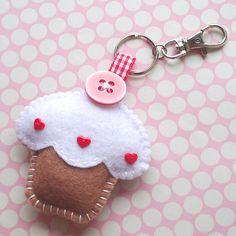 felt cupcake keychain