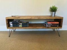 Rustikale Holz TV-Ständer | Tisch im Wohnzimmer | Beistelltisch aus aufgearbeiteten Gerüst Boards auf Haarnadel Beine - Urban Industrial