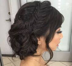 Need Asian bridal hair looks to inspire your 2018 wedding get-up? You've come to the right place: here are 7 beautiful Asian bridal hairstyles to consider. Fish Tail Side Braid, Side Braid With Bun, Side Hairstyles, Wedding Hairstyles, Asian Wedding Hair, Wedding Updo, Bridesmaid Hair Side Bun, Bridesmaids, Bridal Hair And Makeup