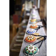 . 本日もお待ちしております‼︎ . #kazoo #beads #beadwork #beading #beadsjewelry #deerskin #beadsaccessory #beadconcho #concho #ビーズ #ビーズ細工 #ビーズワーク #ビーズジュエリー #コンチョ #ビーズコンチョ #アクセサリー #ジュエリー #山梨 #髪飾り #ヘアゴム #ヘアアクセサリー #チェコシードビーズ