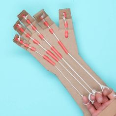 Make Your Own Robotic Hand With This Anatomical DIY - - Make Your Own Robotic Hand With This Anatomical DIY schnickschnack gadget nerd stuff Machen Sie Ihre eigene Roboterhand mit diesem anatomischen DIY Kids Crafts, Cute Crafts, Diy And Crafts, Arts And Crafts, Creative Crafts, Hand Crafts, Simple Crafts, Cardboard Crafts Kids, Nifty Crafts