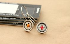 Buttons sterling silver earrings от Evrydiki на Etsy