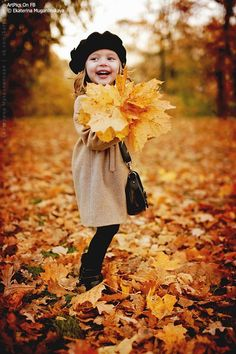 autumn child portrait photography… Want to do this with Liv and her beret from aunt Helene. :)