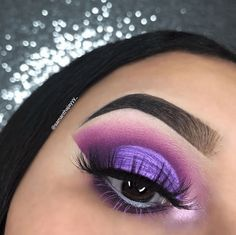 Gorgeous Makeup: Tips and Tricks With Eye Makeup and Eyeshadow – Makeup Design Ideas Purple Eyeshadow Looks, Purple Eye Makeup, Natural Eye Makeup, Eye Makeup Tips, Makeup For Brown Eyes, Smokey Eye Makeup, Beauty Makeup, Smoky Eye, Makeup Ideas