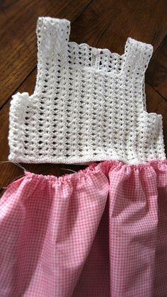Crochet Jewlery - Crochet Clutch Wallet with plastic canvas TUTORIAL 44 supersaver Crochet Dress Girl, Baby Girl Crochet, Crochet For Kids, Crochet Clothes, Col Crochet, Crochet Vest Pattern, Crochet Fabric, Baby Tulle Dress, Diy Dress