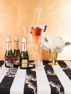 Cranberry ginger champagne cocktails. Who doesn't love a bubbly drink on NYE!
