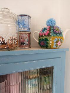 Granny Square Tea Kettle Cozy from Gem Haakt Door Marijtje - Inspiration with Notes