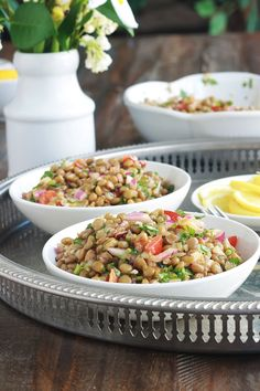 This moroccan lentil salad is deliciously scented with cumin . Veg Recipes, Salad Recipes, Cooking Recipes, Healthy Recipes, Classic Salad, Lentil Salad, Prepped Lunches, Greens Recipe, Grilled Meat