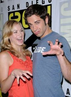 Zachary Levi and Yvonne Strahovski - Comicon July 2008