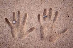 Google Image Result for http://www.wedding-ideas-on-a-budget.com/image-files/sand-rings.jpg