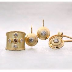 """""""Katie King retrospective: Beautiful satin finished gold with champagne & white diamonds. King Design, White Diamonds, Satin Finish, Handcrafted Jewelry, Champagne, Stud Earrings, Jewels, Gold, Beautiful"""