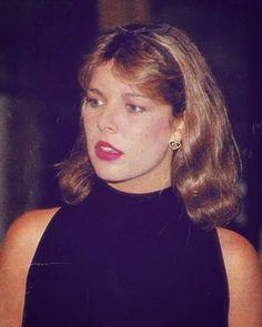 Waiting for love - Caroline, circa 1983. #carolinedemonaco #princesscarolineofmonaco #Monaco - miss_nostalgiamc