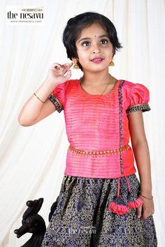Pavadai Sattai, Kids Pattu Pavadai, Saree Kuchu Designs, Kids Blouse Designs, Cotton Lehenga, Pink Lehenga, Indian Skirt And Top, Langa Voni, Kids Dress Patterns