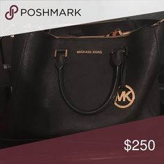 MK Purse Only owned it for a year. I'm trying to raise money to move into an apartment with my kids. Very very condition! Michael Kors Bags Shoulder Bags