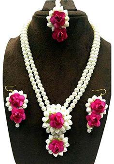 Buy Flower Gota Patti Jewelry Set With Earrings, Maang Tika … – Jewerly World Flower Jewellery For Mehndi, Flower Jewelry, Gota Patti Jewellery, Wedding Mehndi, Wedding Hair, Bridal Hair, Dream Wedding, Wedding Dress, Fancy Dress Design