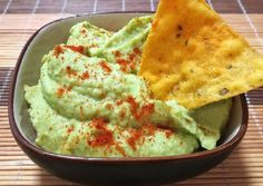 Foto principal de Hummus de Aguacate 🥑 Guacamole, Appetizers, Mexican, Ethnic Recipes, Food, Avocado Hummus, Chickpeas, Spice, Cooking