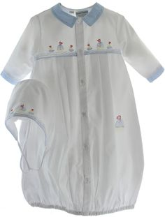 Buy newborn boys coming home gowns & layette sets online at Hiccups Childrens Boutique.  Cute sailboats embroidered sacque.