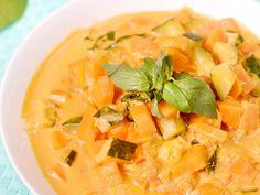 carotte, courgette, patate douce, échalote, ail, crème, pâte de curry, concentré de tomate, citron vert, cumin, petit piment, basilic...