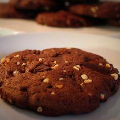 Chocolate-hazelnut cookies. Eli suklaa-hasselpähkinäkeksejä!