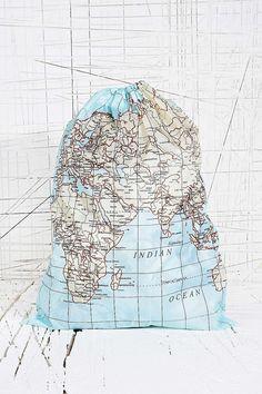 Wäschesack mit Weltkarte - Urban Outfitters