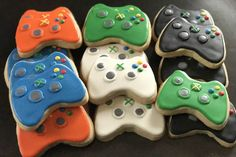 12 xbox remote control cookies xbox game or controller Xbox Party, Teen Boy Cakes, Cakes For Boys, Iced Cookies, Sugar Cookies, Happy Birthday Teenager, Playstation Cake, Xbox Cake, Xbox Controller