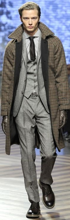 Ermenegildo Zegna | Men's Fashion | Menswear | Men's Outfit for Fall/Winter | Moda Masculina | Shop at designerclothingfans.com