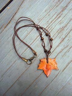 Herbstblatt Halskette  Orange Maple Leaf von SomeBijoux4You auf Etsy