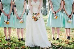 Photo : Floriane Caux // bridesmaids with their bouquets