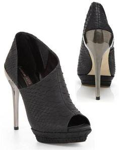 These shoes are GORGEOUS!! Shoegasm!   BCBG Deva