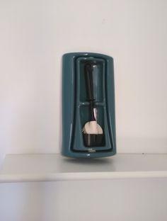 Portascopino girevole  in ceramica ad incasso – Portascopino  vintage – Portascopino antico – Portascopino abete/verde turchese scuro di VintaFai su Etsy