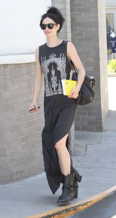 Krysten Ritter - Robe longue + bottines