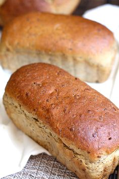 Seeded Oatmeal Wheat Bread - a hearty, nutty tasting bread, made with oatmeal, . Bread Bun, Bread Rolls, Yeast Bread, Hot Dog Recipes, Bread Recipes, Yummy Recipes, Seed Bread, Muffin Bread, Whole Wheat Bread