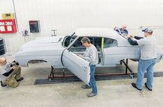 We show you how to do a panel alignment like a pro on this 1970 Chevrolet Chevelle SS Muscle Car Restoration recently had in their shop. - Tap The Link Now To Find Gadgets for your Awesome Ride Restoration Shop, Classic Car Restoration, Car Paint Repair, Car Repair, Auto Paint, Vehicle Repair, Auto Body Work, Chevrolet Chevelle, 1967 Chevelle