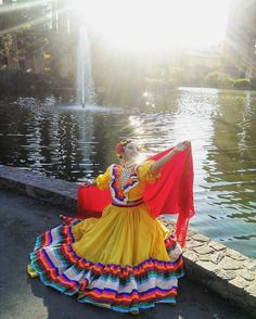 "250 Likes, 4 Comments - Ballet Folklorico Mèxico Danza (@comexicodanza) on Instagram: ""#Jalisco in the Summertime #tbt ✨ #BalletFolklorico #CoMexicoDanza"""