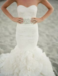 Vera Wang Wedding Dress - oh. my. yes. please. <3 love love love loveeeee!