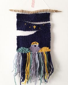 It's comforting in times of dismay difficulty or sickness that we don't have to live in this broken world forever. There's a hope and it all started here in humility with God being as real and personal to us as he could as a baby. (I will probably add a few more stars but I love how this weaving turned out!) #zoeproseweaves #weaveallthebooks #weaveallthestories Zoeprose storytelling weaving