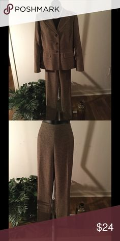 """2pc Kasper Pant Suit This 2pc Kasper pants suit says, """"In charge""""! 100% polyester, lining 100% polyester. No tears,  stains, or smells. Kasper Other"""