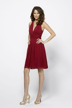 Burgundy Chiffon Halter Deep V-neck Short Bridesmaid Dress with Open Back