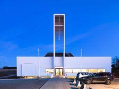 Fachada y fotos de iglesia prefabricada en Noruega una verdadera muestra de calidad eclesiástica