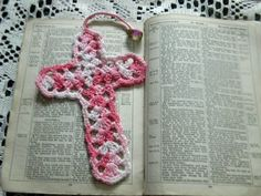 Crocheted Cross – Bookmark with Bead | lifewithkeo