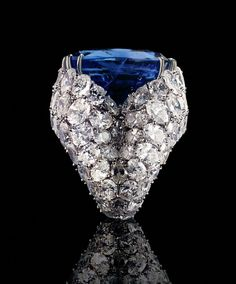 Alexandre Reza    Ring Alexandre Reza platinum, diamond and sapphire 52 carats Burmese conducted in 1975.